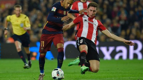 Barcelona's Brazilian forward Neymar (L) vies with Athletic Bilbao's French defender Aymeric Laporte (R) during the Spanish Copa del Rey (King's Cup) quarter-finals second leg football match FC Barcelona vs Athletic Club de Bilbao at Camp Nou stadium in Barcelona on January 27, 2016.   AFP PHOTO / LLUIS GENE / AFP / LLUIS GENE        (Photo credit should read LLUIS GENE/AFP/Getty Images)