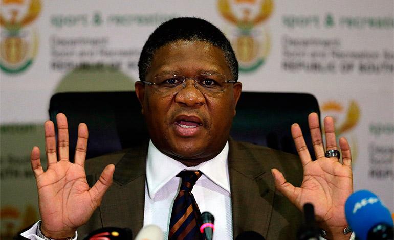 Ministro sudafricano de Deportes Fikilie Mbalula